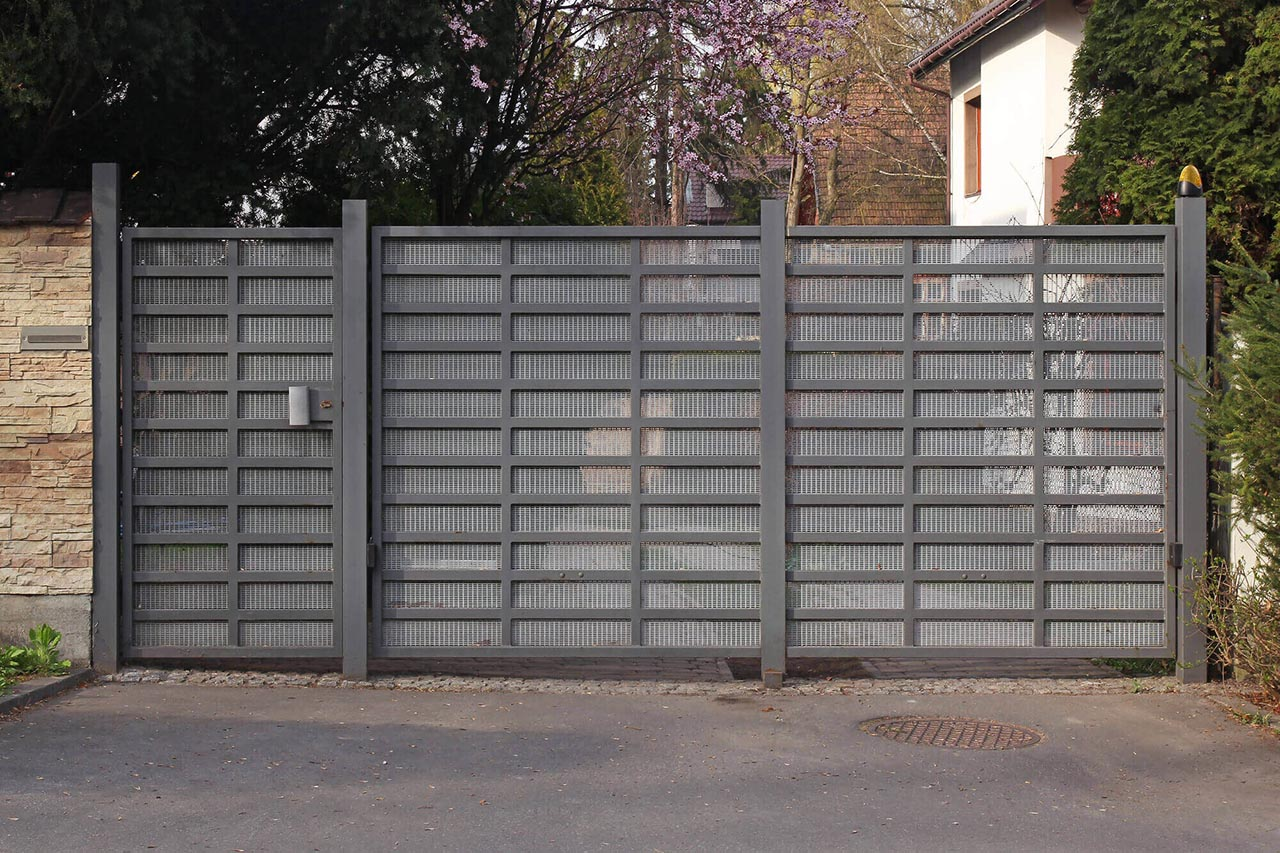 electric gates for driveways new orleans - Big Easy Fences